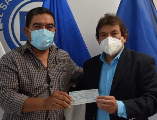 Galería de entrega US$49,000.00  a Segunda División de Fútbol.